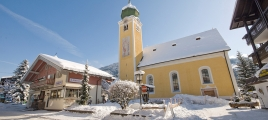 Kirche in Westendorf im Winter