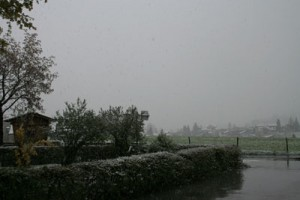 Schnee in Westendorf im April