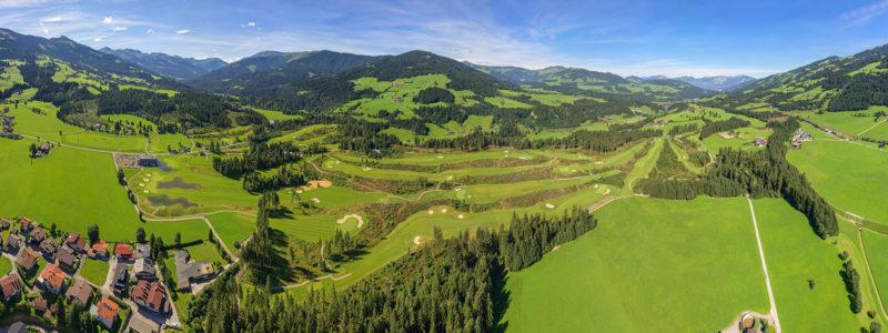 Blick von oben auf die Golfplatz Kitzbüheler Alpen - Westendorf