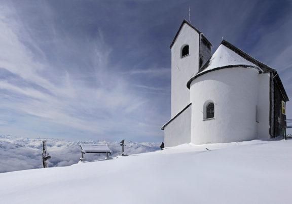 Wallfahrtskirche auf der Hohen Salve in Hopfgarten im Brixental im Winter
