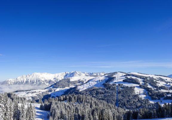 Ausblick von den Kitzbüheler Alpen im Winter