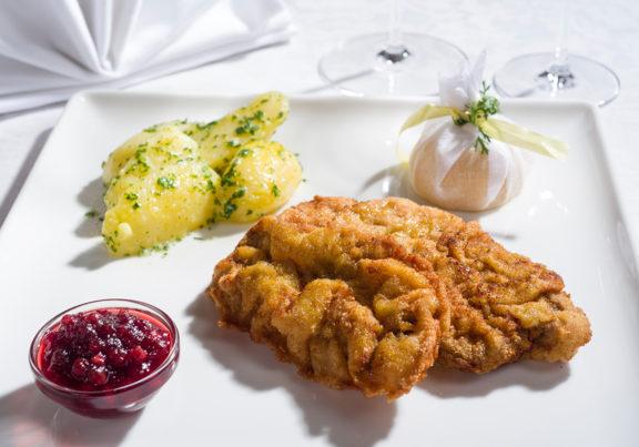 Wiener Schnitzel im Hotel Glockenstuhl in Westendorf
