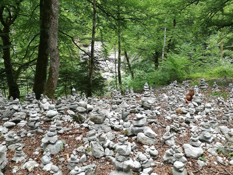 Steinmandl bei der Wolfsklamm in Stans