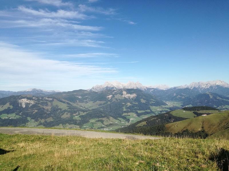 Ausblick vom Harschbichl in St. Johann in Tirol