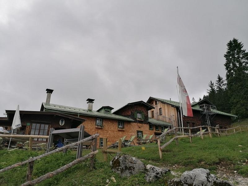 Vorderkaiserfeldenhütte im Kaisertal