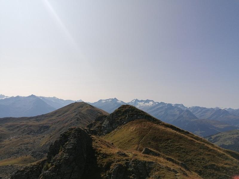 Ausblick vom Tristkopf zu den Zillertaler Alpen